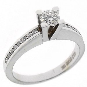 0.57ct. Diamond 18K Solid Gold Solitaire Sidestones Ring