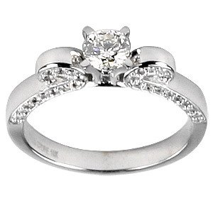 0.85ct. Diamond 18K Solid Gold Solitaire Sidestones Ring