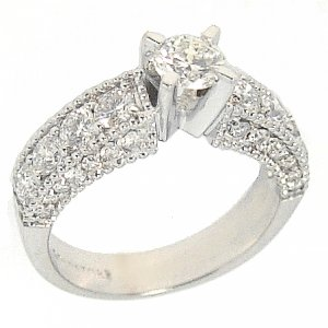1.53ct. Diamond 18K Solid Gold Solitaire Sidestones Ring
