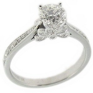 1.03ct. Diamond 18K Solid Gold Solitaire Sidestones Ring