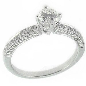 0.88ct. Diamond 18K Solid Gold Solitaire Sidestones Ring
