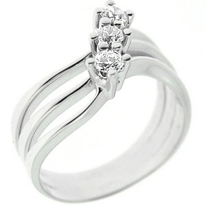0.27ct. Diamond 18K Solid Gold 3 Stone Ring