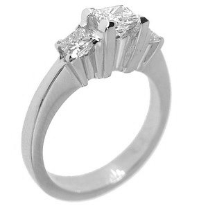 0.82ct. Diamond 18K Solid Gold 3 Stone Ring