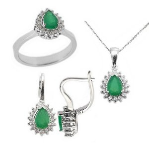0.49ct. Diamond 1.46ct. Emerald 18K Solid Gold Halo Set
